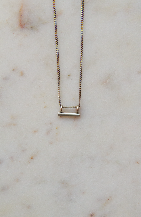 Jane Diaz NY Tiny Bar Pendant On Curb Chain - sterling silver