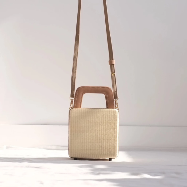 INNÉ Studios Evita Box Bag - Khaki