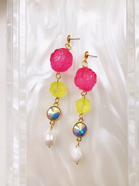 SJO Jewelry Painting The Roses Pink Pearl Earrings