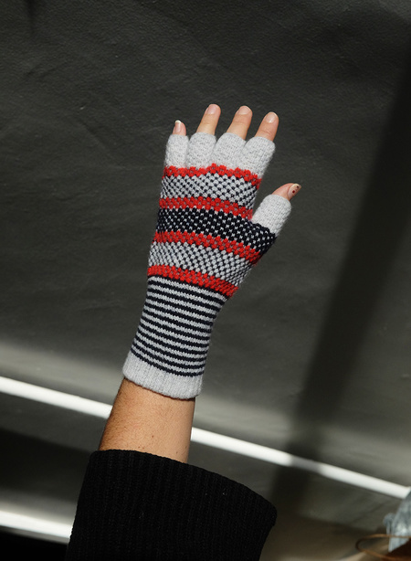 Quinton Chadwick Fingerless Gloves - Grey/Red