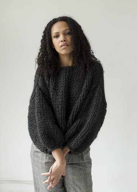 Hendrik.Lou Wool Cropped Sweater - Heathered Black