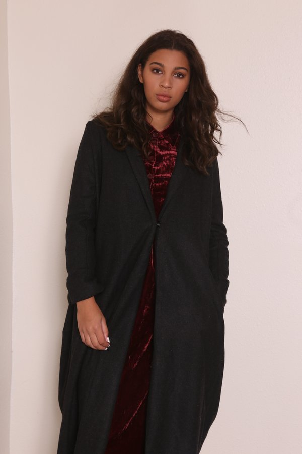 """INTENTIONALLY __________."" INGLES Coat - Charcoal"