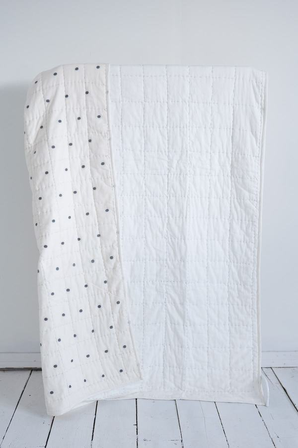 Karu Dot-Dash Quilt & Robe Gift Set