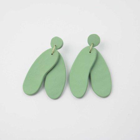 Soft Corner Form Earrings - Sage