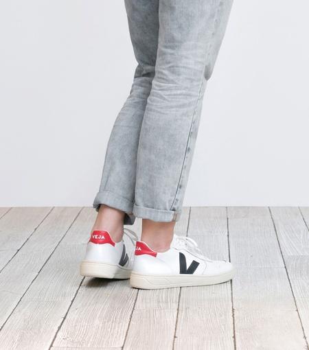Veja | V-10 Leather Sneaker in Extra