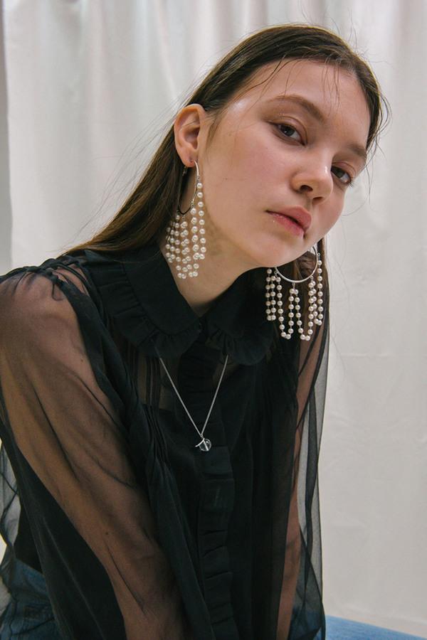 MIDNIGHT MOMENT Chandelier Pearl Earrings - Silver