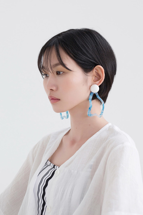 MIDNIGHT MOMENT Wave Earrings - Blue
