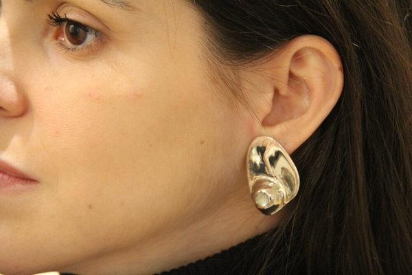 Luz Ortiz Pearl Mabe Earrings - Silver