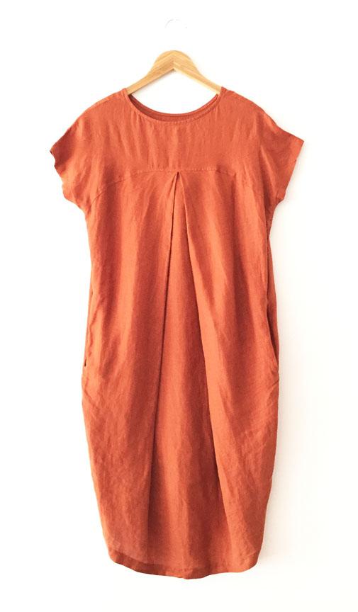 Black Crane Pleated Cocoon Dress - Brick