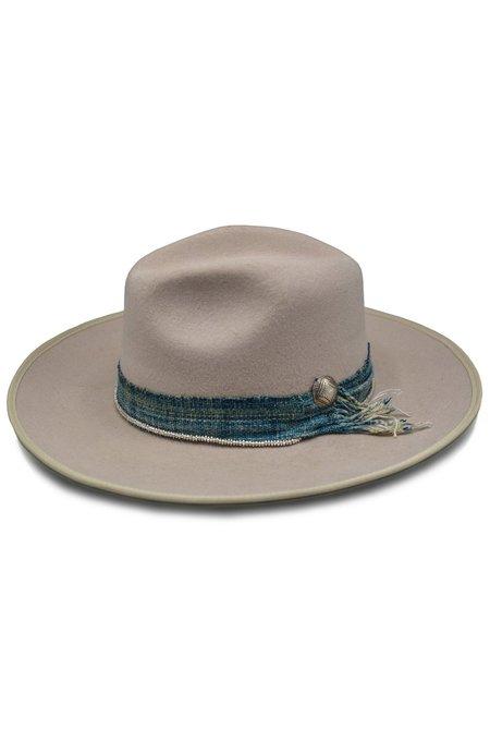 HAMPUI HATS Due North Cattleman Hat With Wrap Medallion - bone