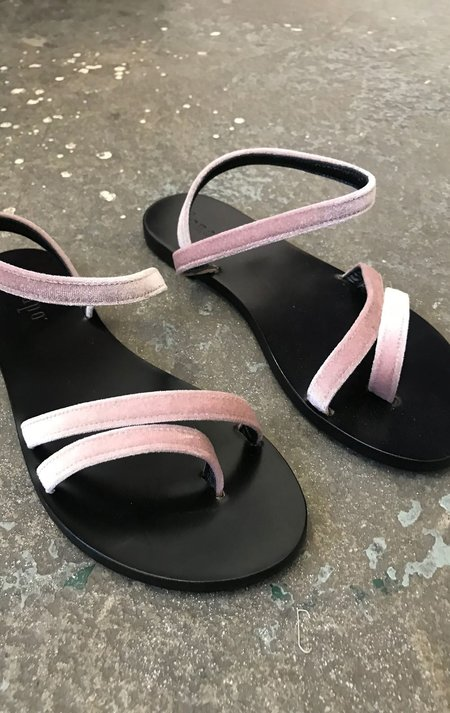 Lanapo Thin Strap Velvet Sandals - Cipria