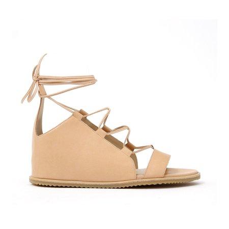 LD Tuttle The Slip Bare Sandal