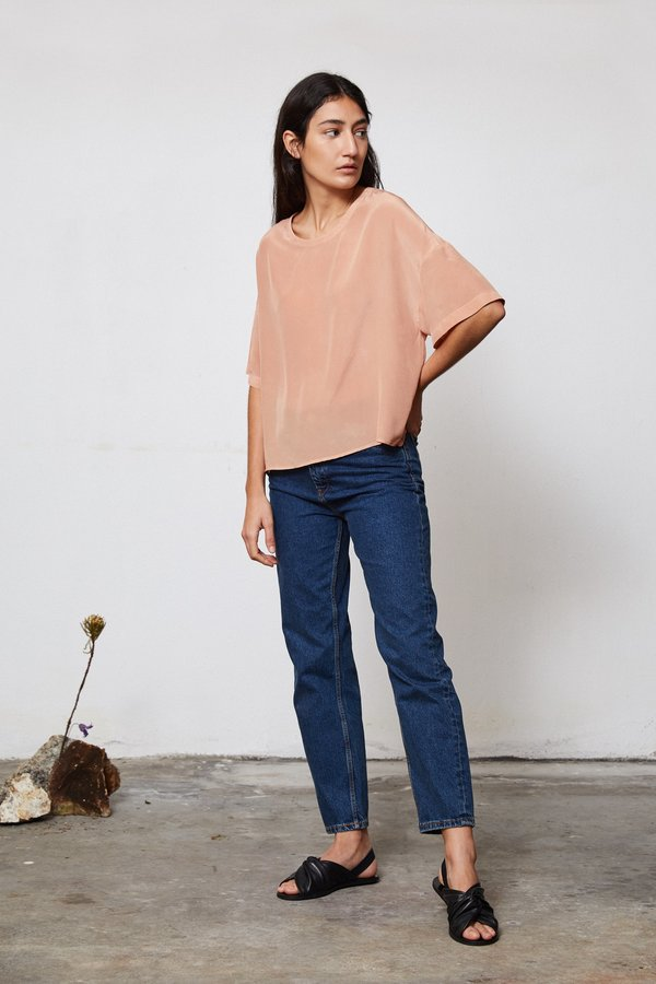 HAND DYED SILK T TOP - AVOCADO