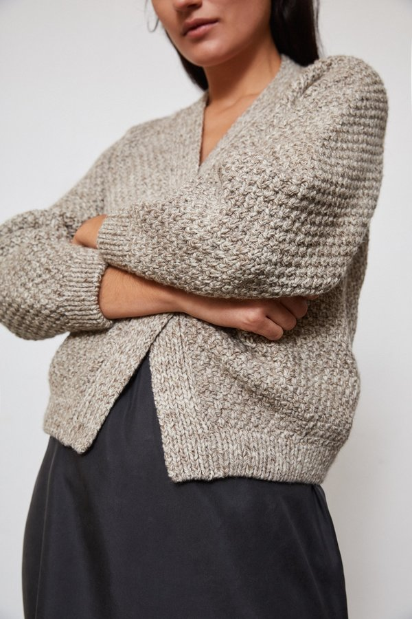 OUND HAND KNITTED WOOL CARDIGAN - STONE