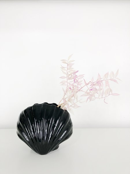Vintage Ri-Ri-Ku Shell Vase - Black