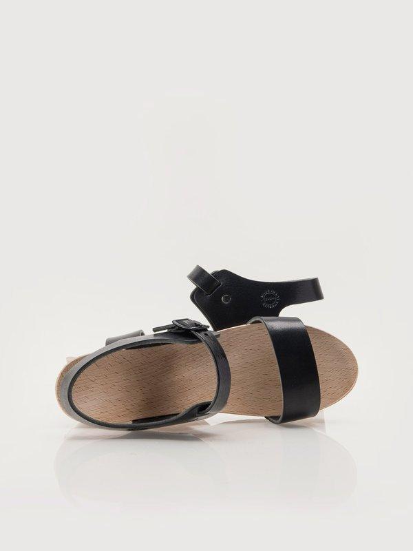 ZUZII FOOTWEAR Harness Clogs - Black