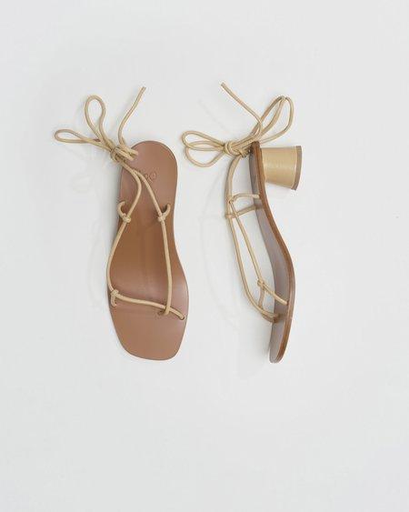LOQ Olea sandal - Turrón