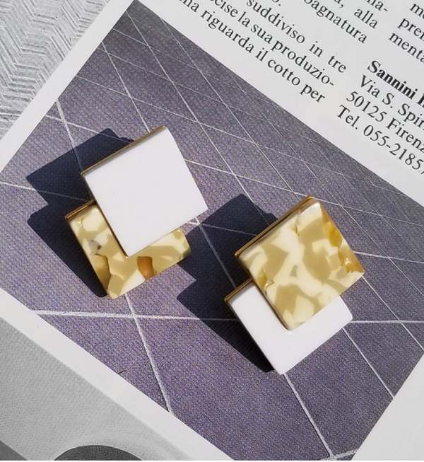 Matter Matters Double Diamond Earrings - Marbled Camel/White