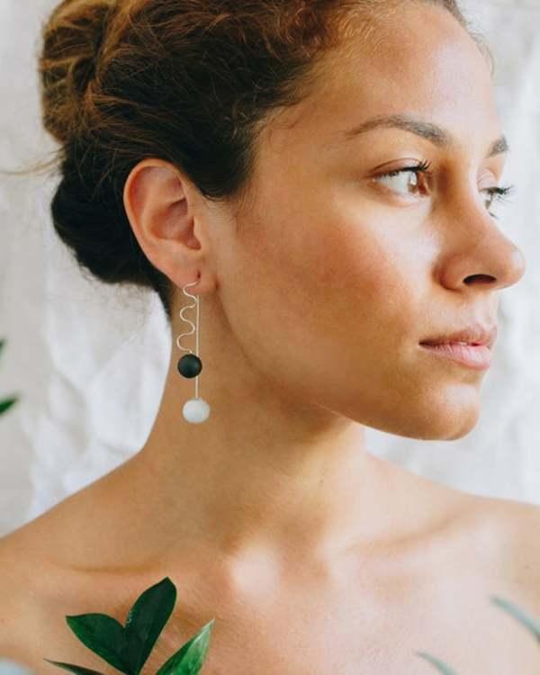 Jujumade Wave Earrings - White/Black
