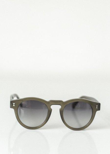 Illesteva Leonard Sunglasses - Olive