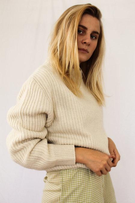 AMOMENTO Full Needle Pullover - Ivory
