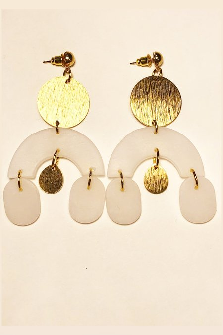 Elizaberry Arch Earrings - White/Gold