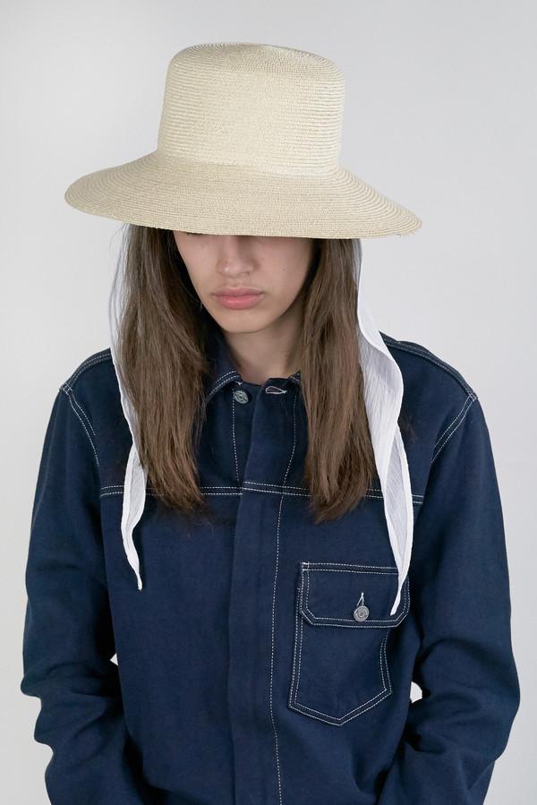 CLYDE Medium Brim Flat Top Hat w. Neckshade in Natural Straw ... 990ea583527
