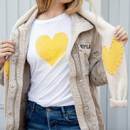 Kerri Rosenthal on Martha's VIneyard Drippy Heart Tshirt - Yellow/White
