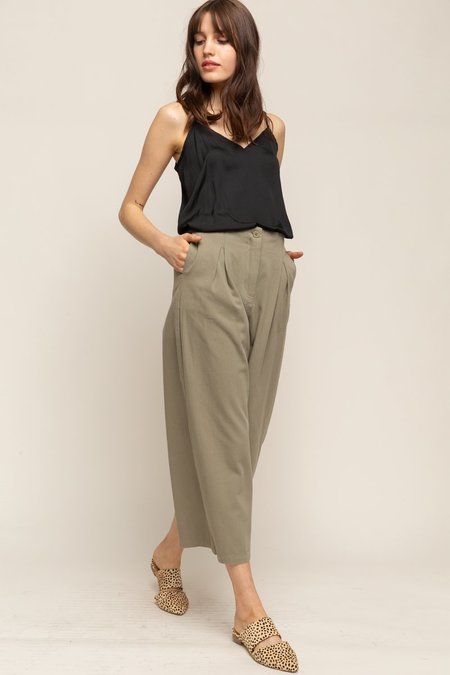 Grade & Gather Pleated Front Twill Wide Leg Pants - Natural