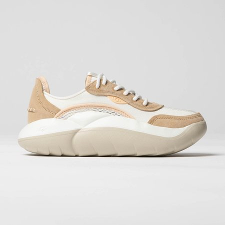 UGG LA Cloud Low Sneaker - White | Bronzer | Peach Fuzz