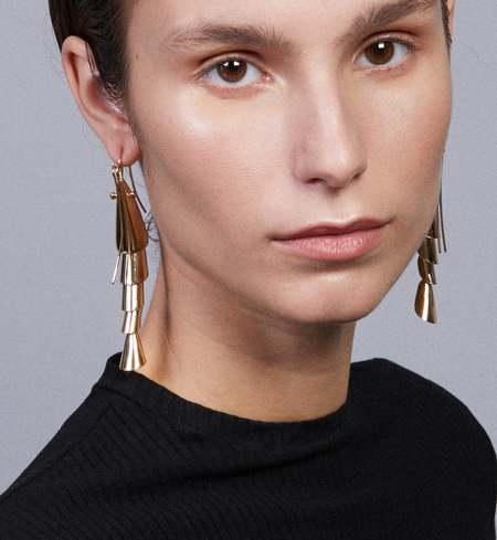 ANDRESGALLARDO Shrimp Mobile Earrings - GOLD
