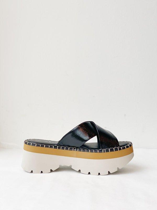 rivenditore online 3c079 7a9f7 Patrizia Bonfanti Chiyo Sandals - Black   Garmentory
