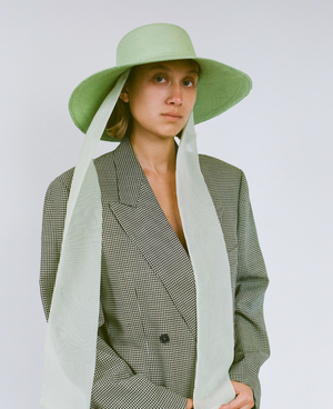 Clyde Pearl Hat W. Neck Scarf