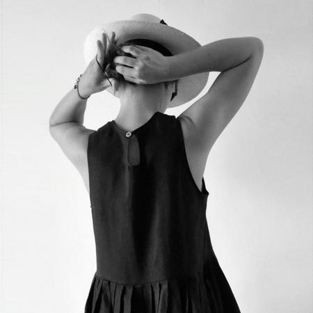 Le Vestiare de Jeanne Sleeveless Dress - Black Linen