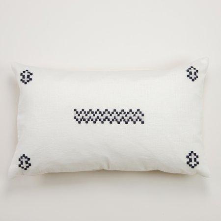 Aid to Artisans Cruz Pillow - Light Grey/Black