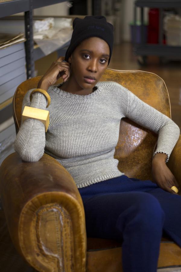 été noir ribbed sweater