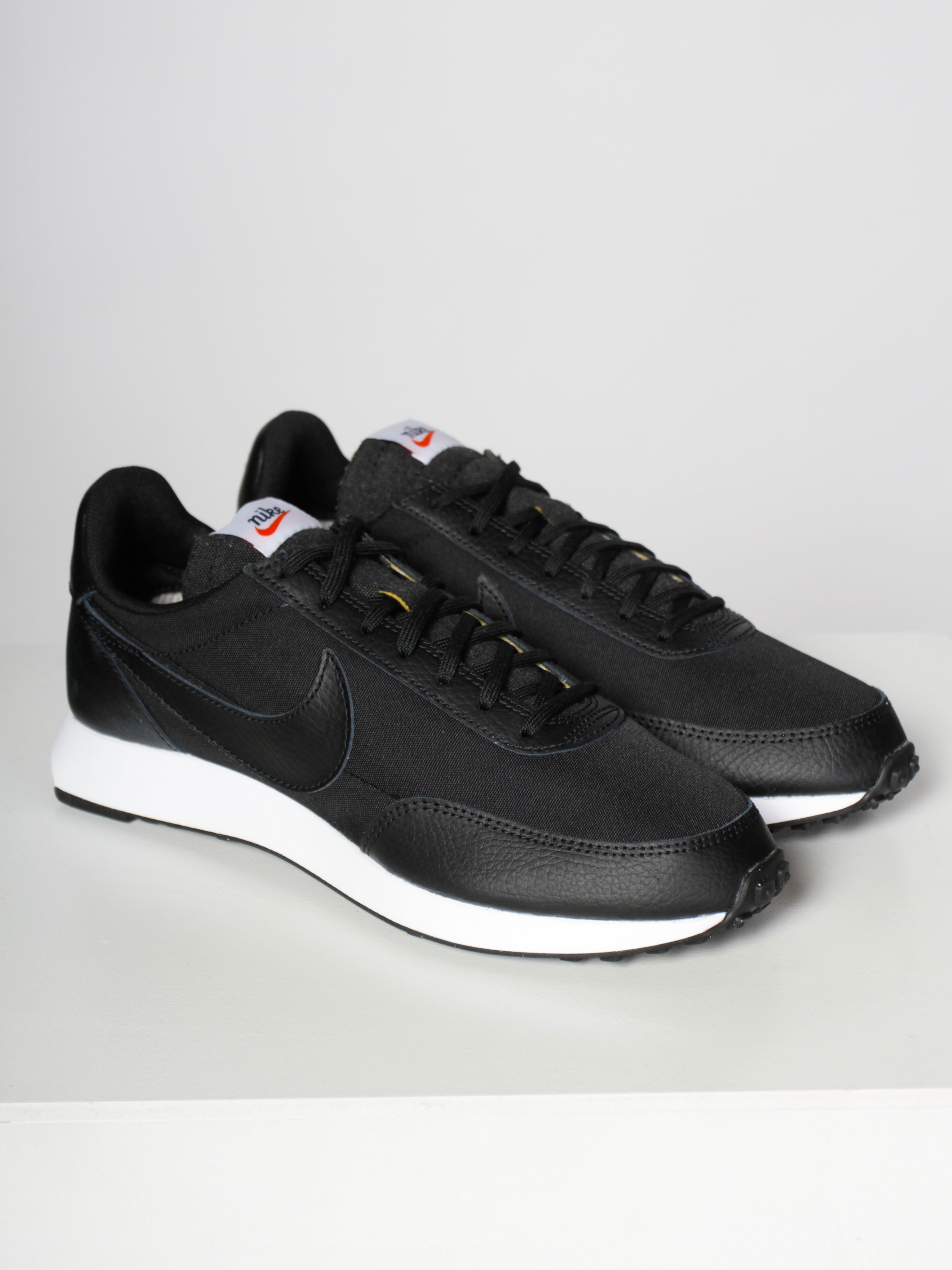 air tailwind 79 trainers