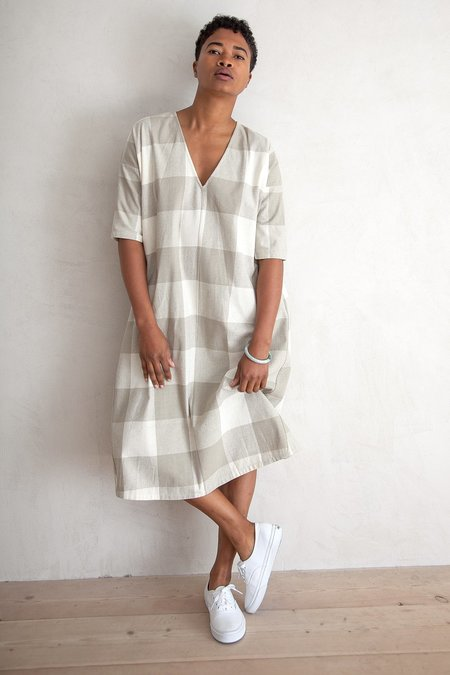 Ali Golden FULL DRESS WITH POCKETS - NATURAL GINGHAM