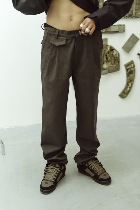 GR10K Pleated Tailored Pant - Brown