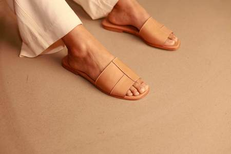 CLEMENTINE'S Flattered Milla Leather Sandal