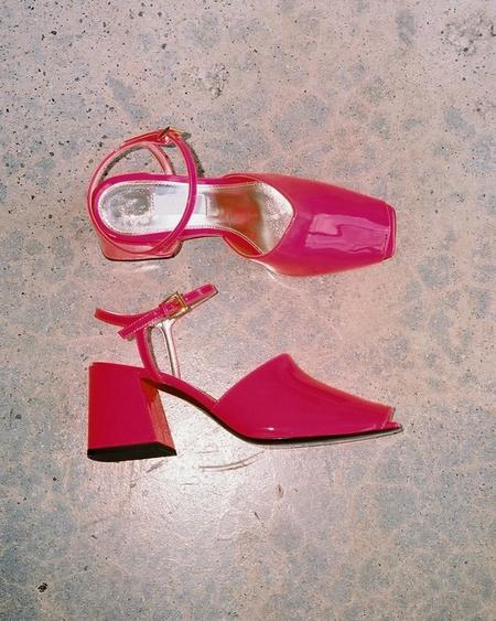 Suzanne Rae Back Sandal - Neon Pink
