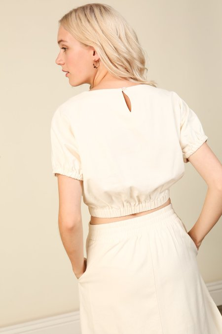 Line and Dot Everson Top