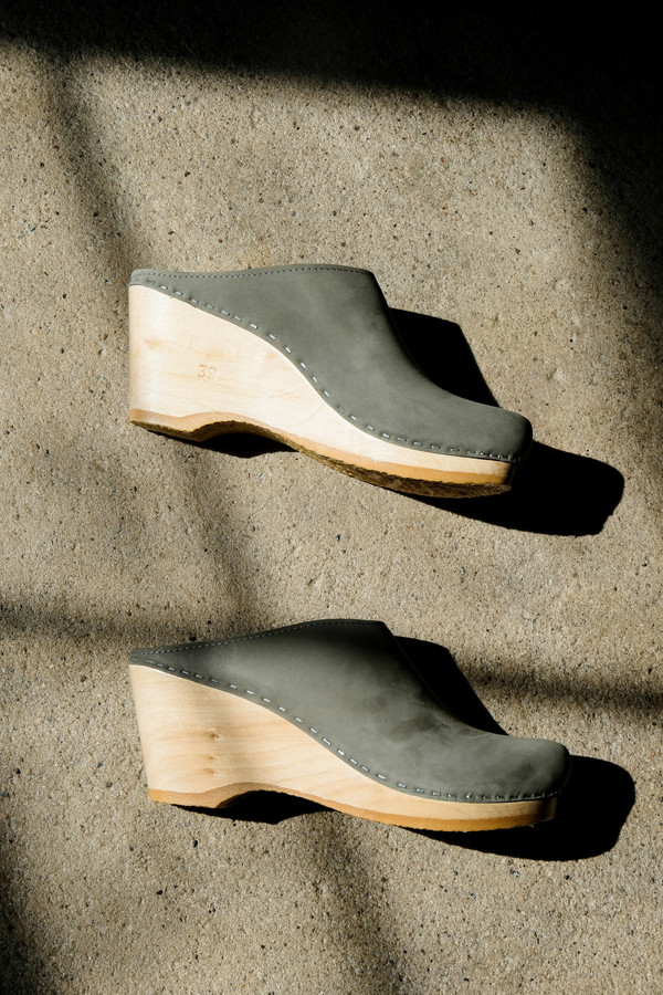 No.6 New School Clog On Wedge