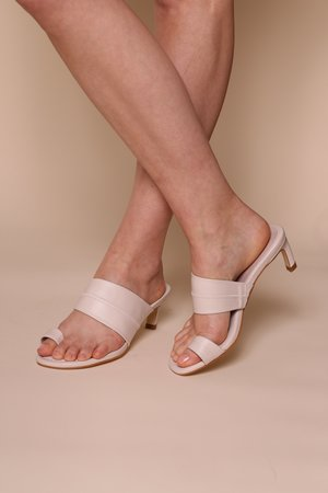 """INTENTIONALLY __________."" Ving Sandal"