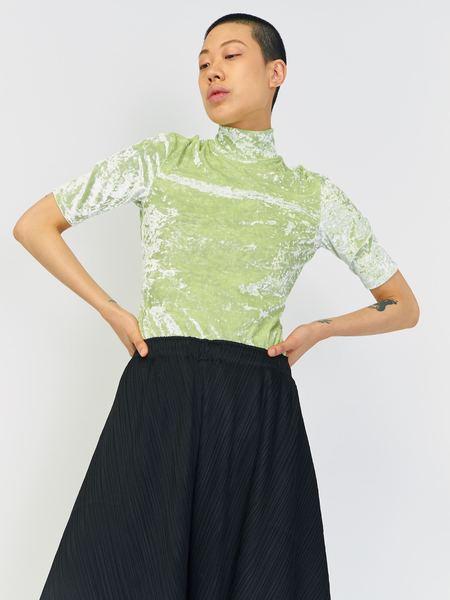 Nomia Crushed Velvet Mockneck - Green