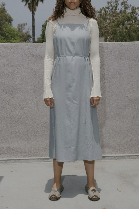 Baserange YUMI APRON DRESS - BUJA BLUE