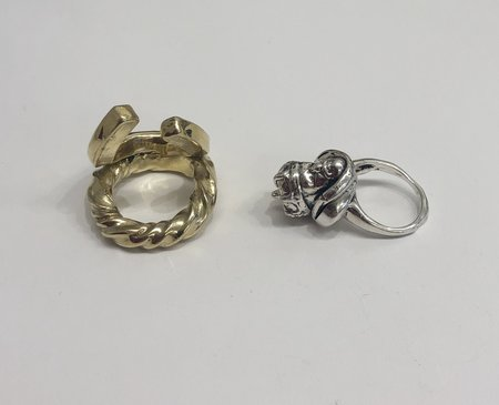 Angostura baroque monarchy ring set