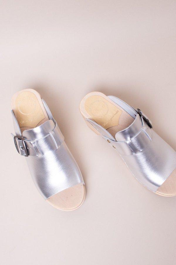 No.6 Riley Open Toe Clog On Mid Heel