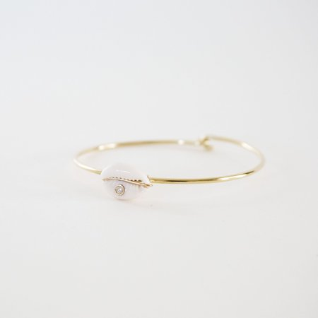 Looma Careyes Shell Bracelet with Bezel Set Cowrie - 14K Gold