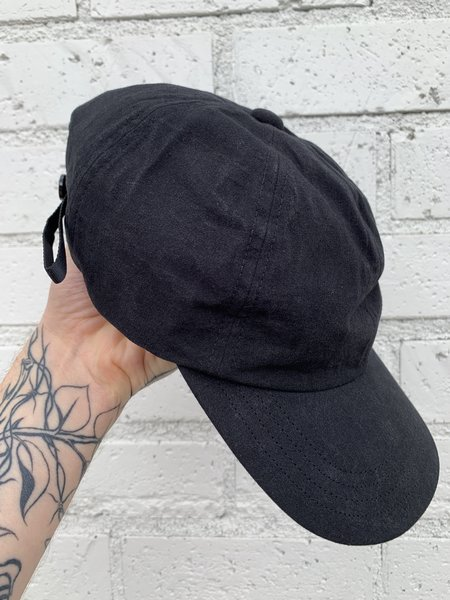 MAN-TLE R8 CAP Wax Six Panel Cap - black